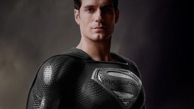 'Liga de la Justicia': Nuevo avance revela a Superman con el traje negro