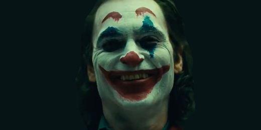 'Joker': Video desde set revela el atuendo completo del rey de los payasos