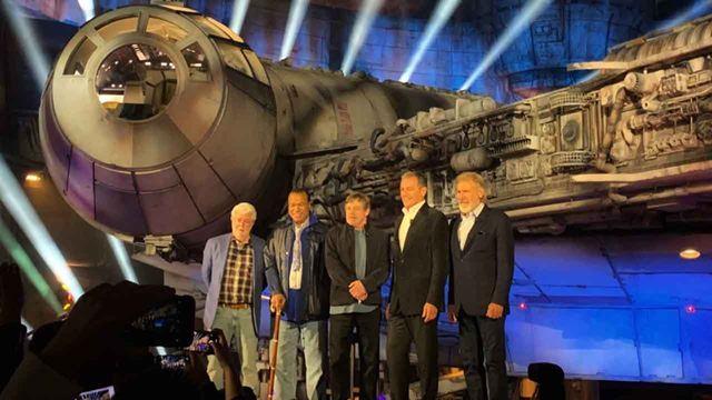 Mark Hamill y Harrison Ford inauguran 'Star Wars: Galaxy's Edge' en Disneyland