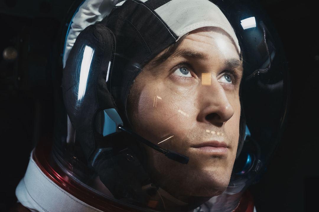 (⋆4.1) 'El primer hombre en la Luna'