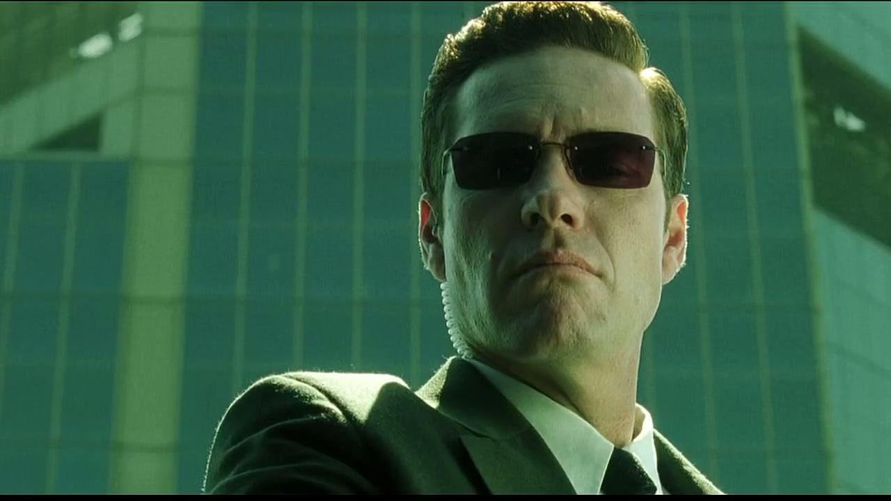 Robert Taylor - Agente Jones